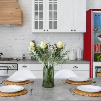 iio RM1 ALBR1372-11 Retro Lifestyle Photo of Kitchen with Red Retro Fridge